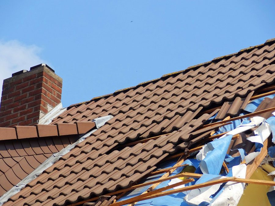 Roof Replacement: 6 Signs That Tell Now Is the Time
